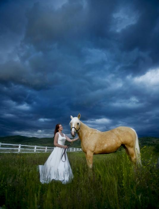 bride-and-horse-with-storm-nick-sokoloff